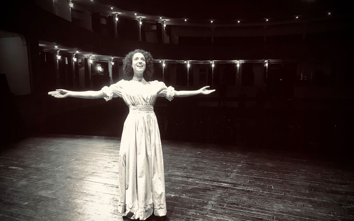 El Teatro Cervantes convertido en el escenario protagonista de 'Un Nuevo Renacer'